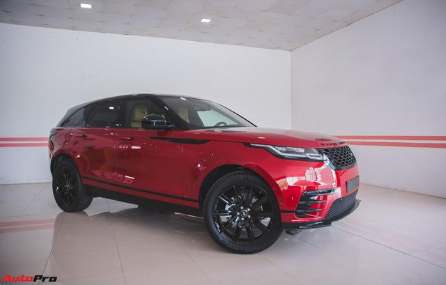 Soi kĩ Range Rover Velar màu đỏ đầu tiên của Việt Nam - Ảnh 1.