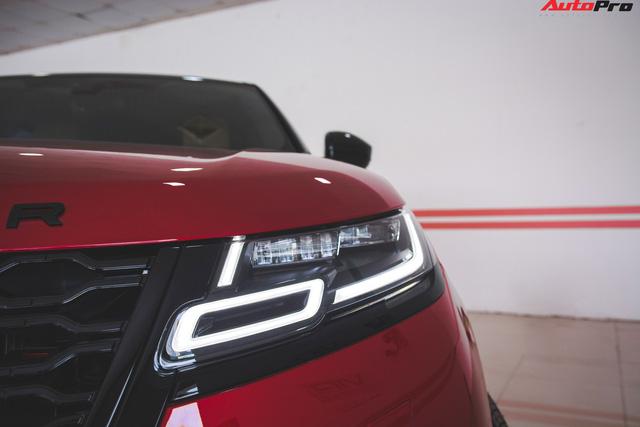 Soi kĩ Range Rover Velar màu đỏ đầu tiên của Việt Nam - Ảnh 2.