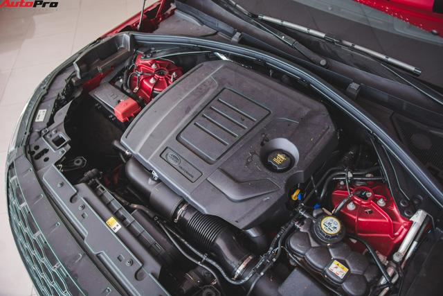 Soi kĩ Range Rover Velar màu đỏ đầu tiên của Việt Nam - Ảnh 23.