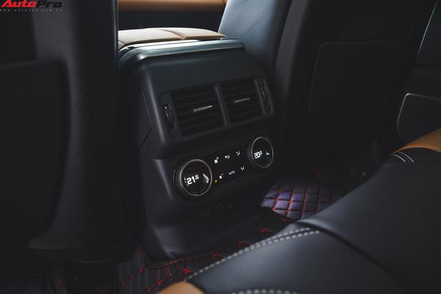 Soi kĩ Range Rover Velar màu đỏ đầu tiên của Việt Nam - Ảnh 21.