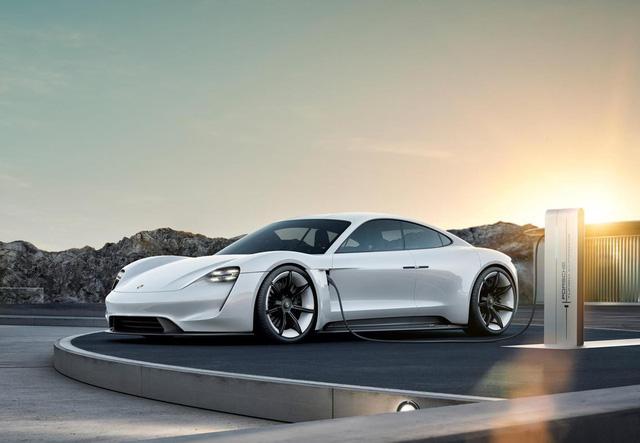 Đọc tên mẫu xe hoàn toàn mới của Porsche là Taycan thế nào cho đúng? - Ảnh 2.