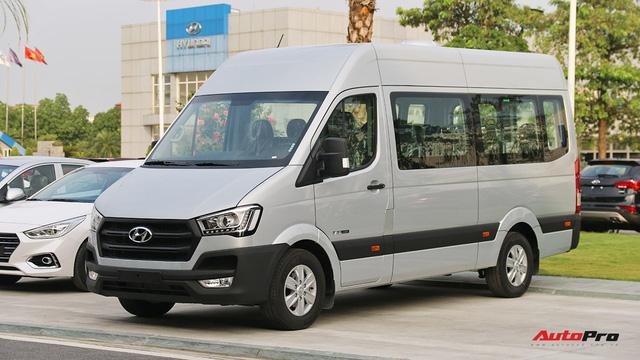 Chênh hơn 160 triệu đồng, Hyundai Solati có gì vượt trội hơn Ford Transit để chiều thượng đế Việt? - Ảnh 4.