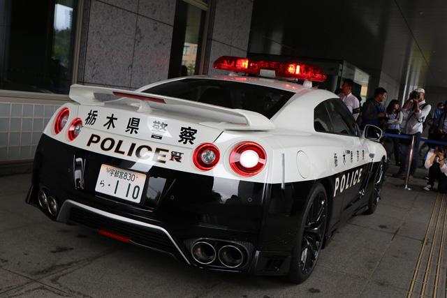 Đại gia bí ẩn tặng Nissan GT-R cho lực lượng cảnh sát Nhật Bản - Ảnh 5.