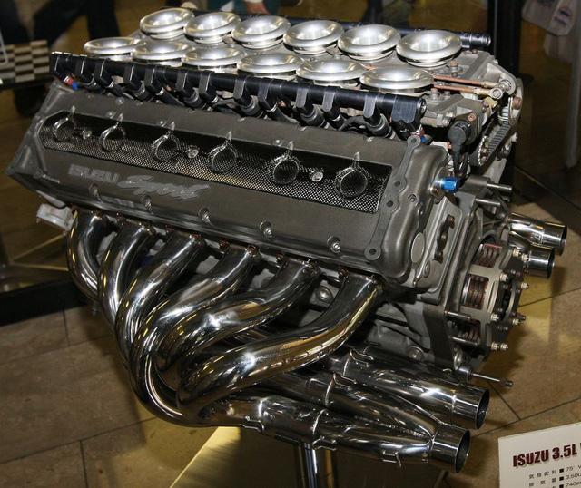 Bạn có biết Isuzu đã từng sản xuất bán tải với động cơ F1? - Ảnh 2.
