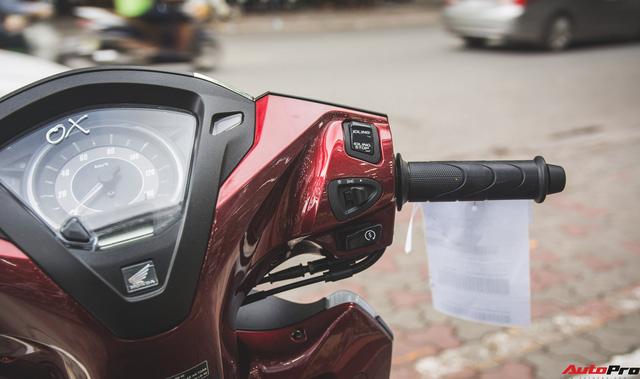 Chi tiết Honda LEAD đen mờ mới - Lựa chọn ngầu của chị em Ninja - Ảnh 7.