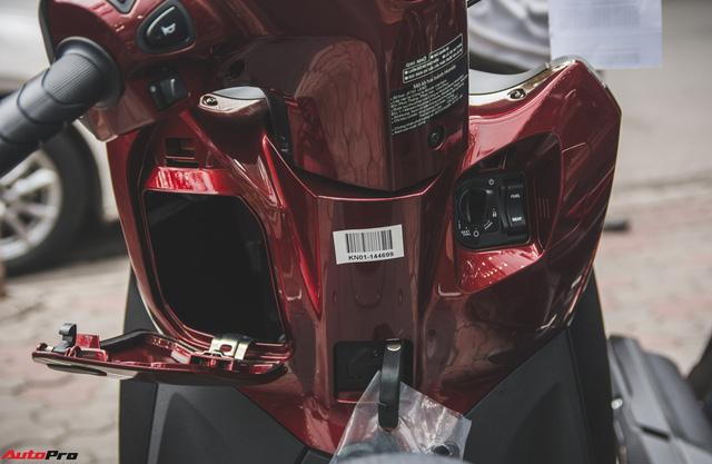 Chi tiết Honda LEAD đen mờ mới - Lựa chọn ngầu của chị em Ninja - Ảnh 10.
