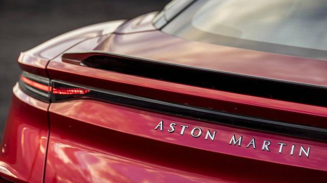 Aston Martin chính thức trình làng DBS Superleggera làm tín đồ siêu xe phát cuồng - Ảnh 9.