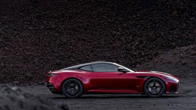 Aston Martin chính thức trình làng DBS Superleggera làm tín đồ siêu xe phát cuồng - Ảnh 15.