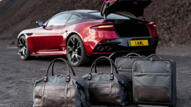Aston Martin chính thức trình làng DBS Superleggera làm tín đồ siêu xe phát cuồng - Ảnh 14.