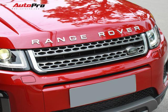Mới lăn bánh 7.500km, Range Rover Evoque 2017 được rao bán lại giá 2,85 tỷ đồng - Ảnh 5.