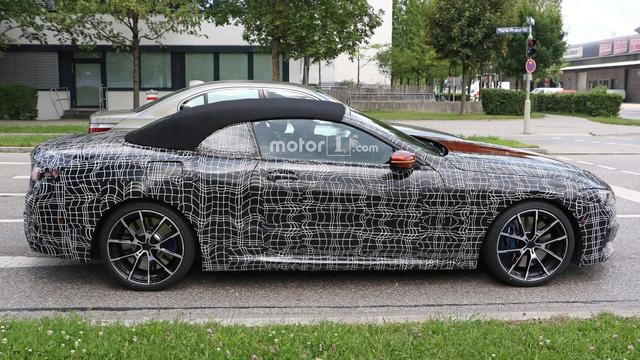 BMW 8-Series mui trần xuất hiện ngoài phố - Ảnh 3.