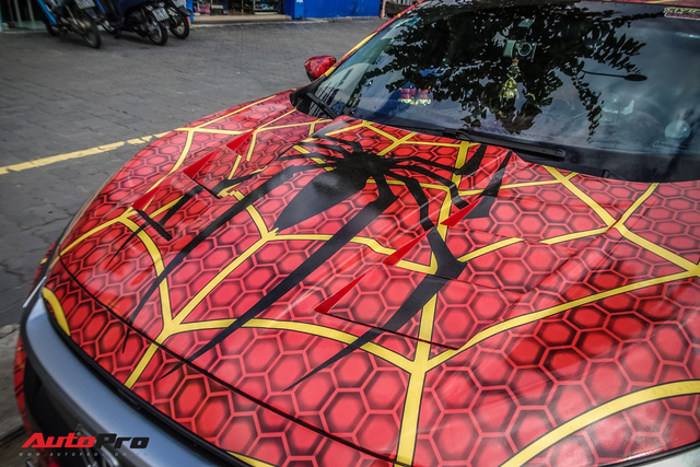 Chiều con nhỏ, ông bố tại Sài Gòn độ Honda Civic Turbo theo phong cách người nhện - Ảnh 4.