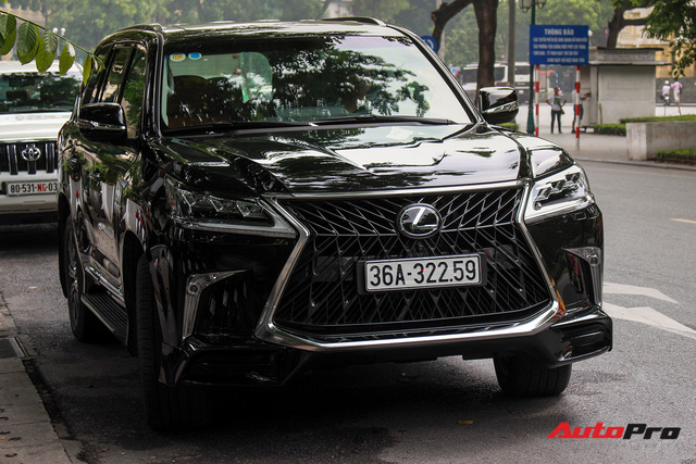 Lexus LX570 Super Sport 2018 trị giá gần 11 tỷ đồng của đại gia Thanh Hóa - Ảnh 1.
