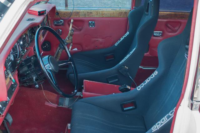 Xe siêu sang Rolls-Royce độ như xe phế liệu, dùng hộp số Ford, vành Porsche - Ảnh 8.