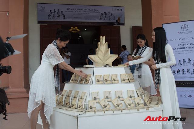 Hôm nay, đoàn xe Trung Nguyên xuyên Việt đặt chân tới thủ đô Hà Nội - Ảnh 13.