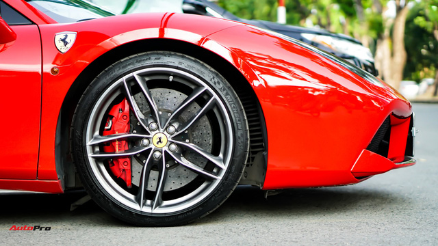 Ferrari 488 Spider kí gửi tại showroom xe cũ Hà Nội với giá ngang Mercedes-Maybach S500 - Ảnh 5.