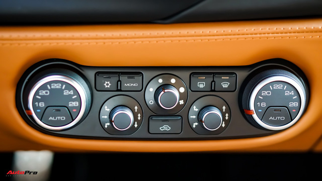 Ferrari 488 Spider kí gửi tại showroom xe cũ Hà Nội với giá ngang Mercedes-Maybach S500 - Ảnh 19.