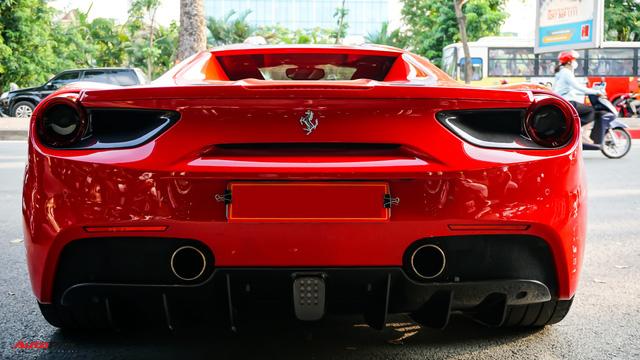Ferrari 488 Spider kí gửi tại showroom xe cũ Hà Nội với giá ngang Mercedes-Maybach S500 - Ảnh 8.