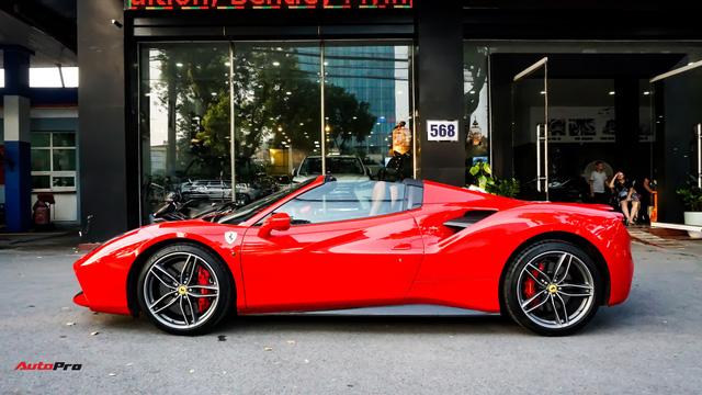Ferrari 488 Spider kí gửi tại showroom xe cũ Hà Nội với giá ngang Mercedes-Maybach S500 - Ảnh 24.