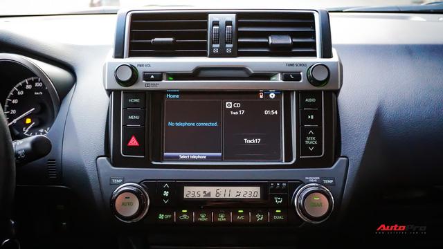 Chạy 2 năm hơn 3 vạn km, Toyota Prado TXL vẫn bán được giá trên 2 tỷ đồng - ảnh 12