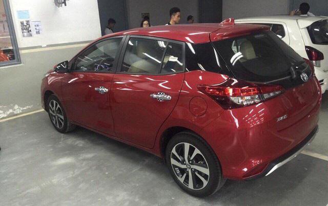 """Toyota sắp bung hàng loạt mẫu ô tô mới ra thị trường - Cú """"thốc ga"""" mạnh sau hơn nửa năm vắng bóng xe nhập khẩu - Ảnh 1."""