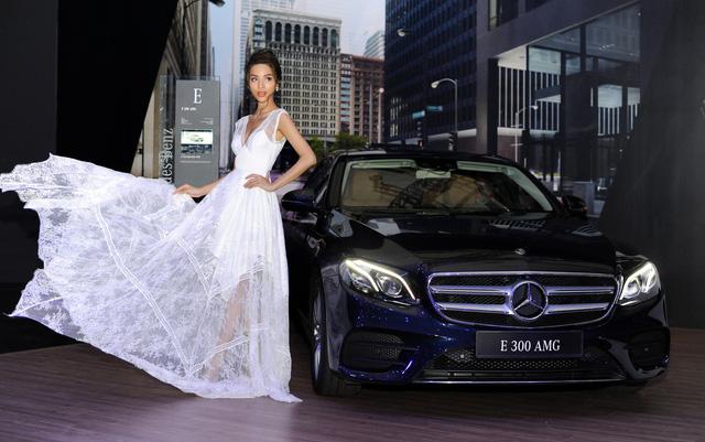Những bóng hồng xinh đẹp tỏa sáng bên dàn xe sang tại Mercedes-Benz Fascination 2018 - Ảnh 6.