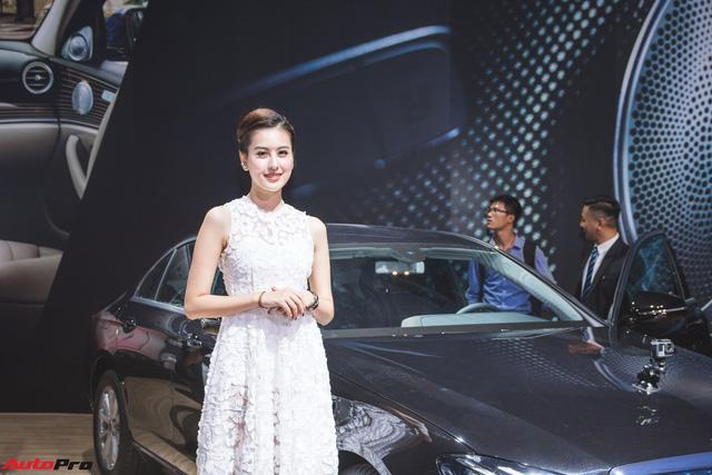 Những bóng hồng xinh đẹp tỏa sáng bên dàn xe sang tại Mercedes-Benz Fascination 2018 - Ảnh 9.