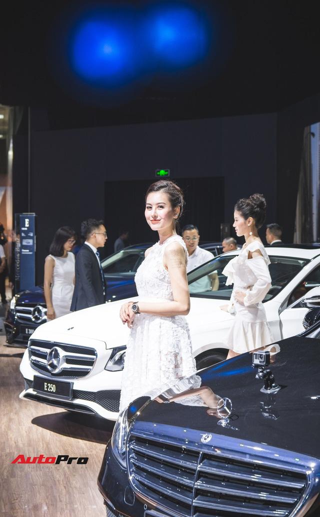 Những bóng hồng xinh đẹp tỏa sáng bên dàn xe sang tại Mercedes-Benz Fascination 2018 - Ảnh 12.
