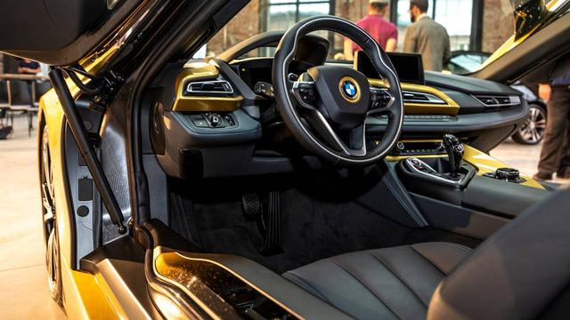 BMW tung bản đặc biệt cho i3 và i8 dát vàng 24 carat - Ảnh 4.
