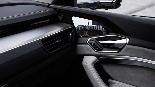 Audi hé lộ nội thất hiện đại nhất từng sản xuất với 5 màn hình cỡ lớn  - Ảnh 3.