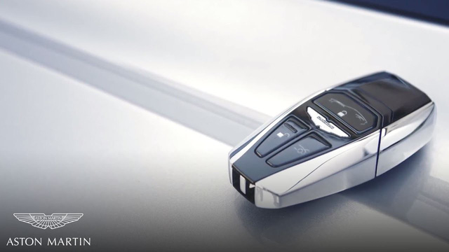 Chìa khóa bằng lam ngọc của Aston Martin - Cách chơi trội của giới nhà giàu 10 năm trước - Ảnh 2.
