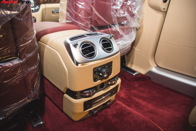 Rolls-Royce Ghost Series II EWB phối hai màu độc nhất Việt Nam - Ảnh 8.