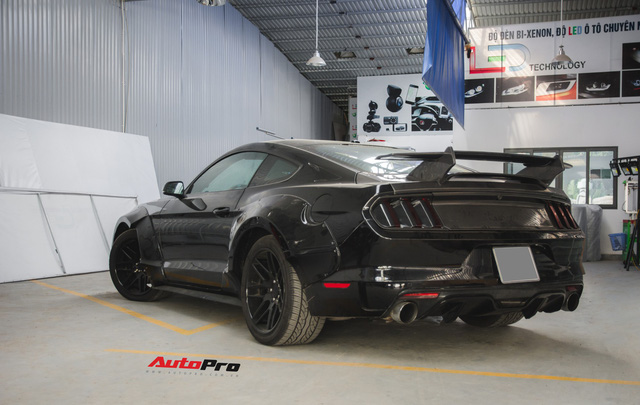 Ngựa hoang Ford Mustang lột xác, độ widebody của đại gia Hà Nội - Ảnh 2.