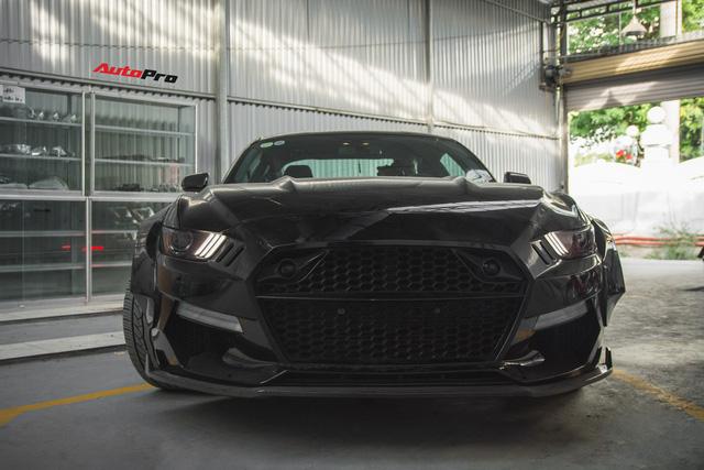Ngựa hoang Ford Mustang lột xác, độ widebody của đại gia Hà Nội - Ảnh 1.