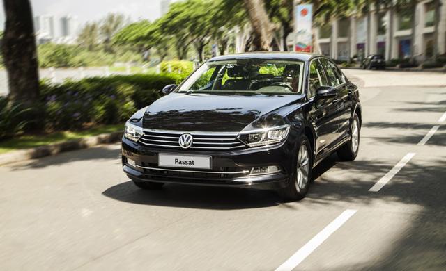 Volkswagen Passat thêm phiên bản mới tại Việt Nam: Đấu Toyota Camry bằng giá Mercedes-Benz C200 - Ảnh 3.