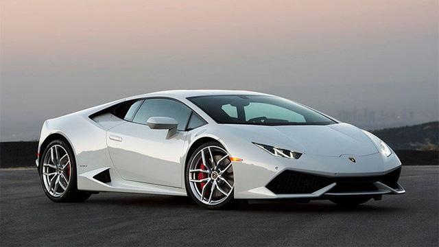 Thuê siêu xe Lamborghini lướt phố Dubai chưa đầy 4 tiếng, du khách trẻ người Anh đã bị phạt tới 1 tỷ đồng vì đi quá tốc độ - Ảnh 1.