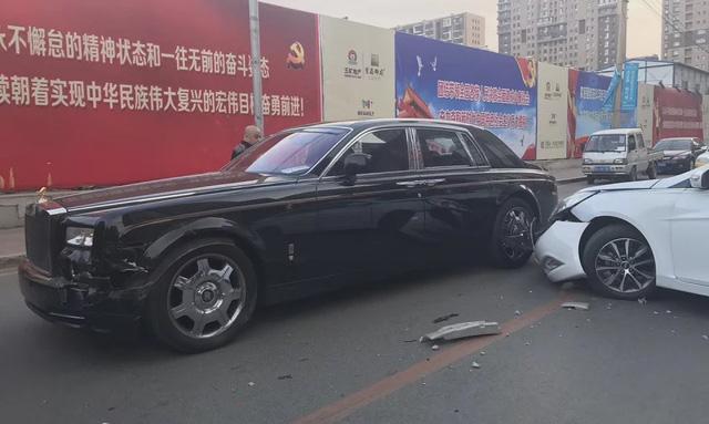 """Những vụ đâm vào xe Rolls-Royce và cái kết """"bán nhà, bán thận"""" - Ảnh 3."""