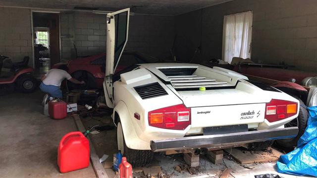 Ông nội để quên siêu xe Lamborghini phủ bụi gần 2 thập kỷ, cháu trai bất ngờ khi tìm thấy - Ảnh 1.