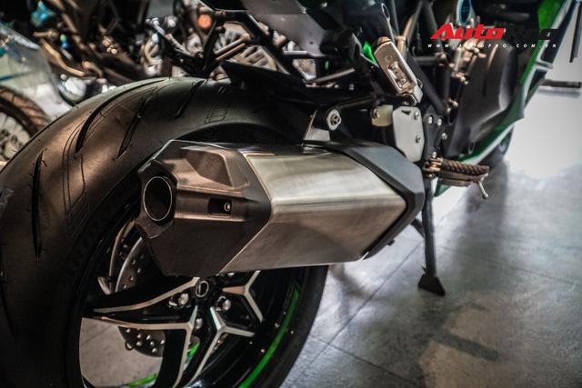 Kawasaki Ninja H2 SX SE đầu tiên về Việt Nam - Mô tô tiền tỷ cho người mê phượt - Ảnh 8.