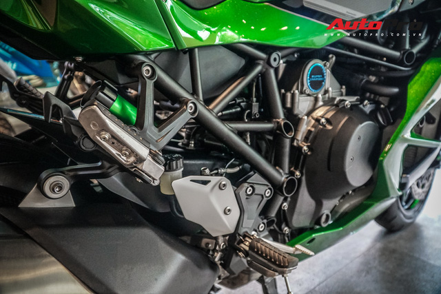 Kawasaki Ninja H2 SX SE đầu tiên về Việt Nam - Mô tô tiền tỷ cho người mê phượt - Ảnh 7.