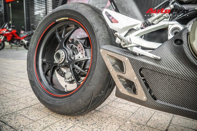 Chi tiết Ducati Panigale V4S được lên đời ống xả gần 200 triệu tại Sài Gòn - Ảnh 8.