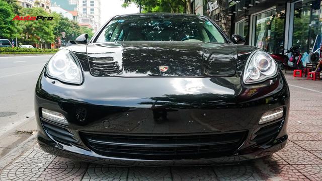 Sau hơn 7 vạn km, Porsche Panamera có giá chưa tới 2 tỷ đồng - Ảnh 1.