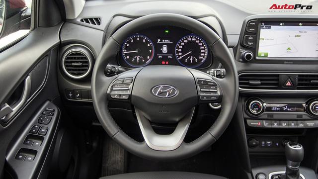 Bị chê đắt, Hyundai Kona bản cao nhất có gì để định giá 725 triệu đồng? - Ảnh 10.