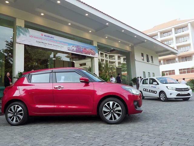 Suzuki Swift 2018 đầu tiên về Việt Nam - Xe nhập đấu Toyota Yaris, Honda Jazz - Ảnh 3.