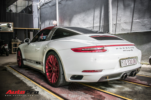 Porsche 911 Targa 4S độc đáo của đại gia Sài Gòn sở hữu cả Ferrari 488 GTB và Rolls-Royce Ghost - Ảnh 5.