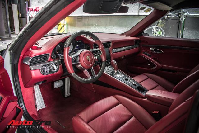 Porsche 911 Targa 4S độc đáo của đại gia Sài Gòn sở hữu cả Ferrari 488 GTB và Rolls-Royce Ghost - Ảnh 21.