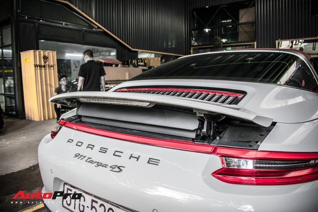 Porsche 911 Targa 4S độc đáo của đại gia Sài Gòn sở hữu cả Ferrari 488 GTB và Rolls-Royce Ghost - Ảnh 13.