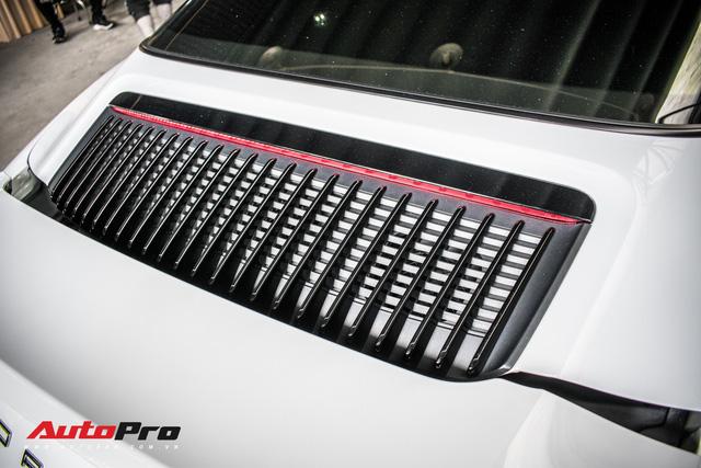 Porsche 911 Targa 4S độc đáo của đại gia Sài Gòn sở hữu cả Ferrari 488 GTB và Rolls-Royce Ghost - Ảnh 12.