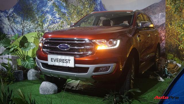 Ford Everest 2018 giá từ hơn 1,1 tỷ đồng, phả hơi nóng lên Toyota Fortuner - Ảnh 2.