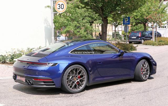 Porsche 911 mới chưa ra mắt nhưng đã lộ diện hoàn toàn trên phố - Ảnh 4.